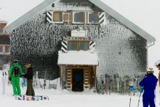 Санкт Антон . Приют Ulmer Hutte на трассе № 13.