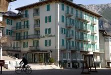 Отель Cortina 4*.