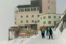 Верхняя станция третьей очереди подъёмника на Якобсхорн.