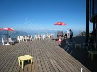 Лейзан. La Berneuse. Терраса вращающегося ресторана с видом на Женевское озеро