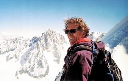 Горный гид Жан-Мари Олиатти водил группы в скитур-стиле от Монблана к Маттерхорну сорок раз и приглашает всех желающих к нему присоединиться.